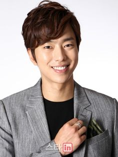 Xem thông tin diễn viên Yoon Hyun Min