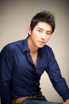 Xem thông tin diễn viên Hyun Woo Sung